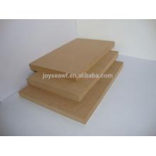 Fibra de MDF de densidad media ampliamente utilizada para muebles o decoración
