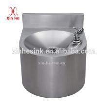 Edelstahl-Handwaschbecken, trinkende Grundlage des Wandhalters mit Spritzen