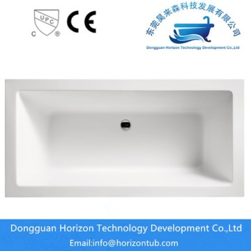 Freestanding rectangular bathtub for shower