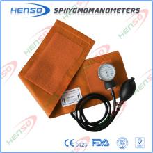 Aprobación CE Esfigmomanómetro aneroide sin anillo en D, bombilla de PVC y bolsa