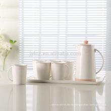 Elegante keramische arabische Teekanne