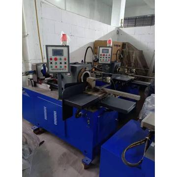Máquina automática para corte de tubos sem costura