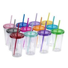 A água plástica dobro livre do BPA coloca a garrafa da palha da bebida dos copos da água com tampa