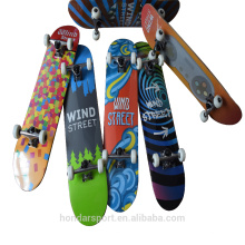 kundenspezifische 9 ply Ahorn komplette Skateboards mit niedrigem Preis für Verkauf