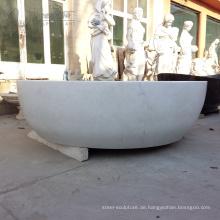 Badewanne aus weißem Marmor