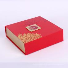 складывая бумажная коробка упаковки конфет