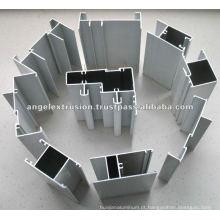 Seção de alumínio para partição de porta