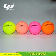 Torno de golf de alta calidad del fabricante Surlyn pelota de golf de uretano bola de golf 2 práctica pelota de golf