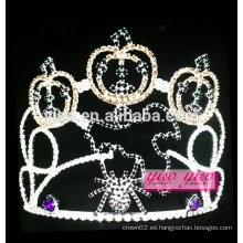 El último modelo coloreó la tiara al por mayor cristalina de la calabaza de la manera