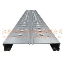 Tablas de andamio de acero con gancho usado en la construcción