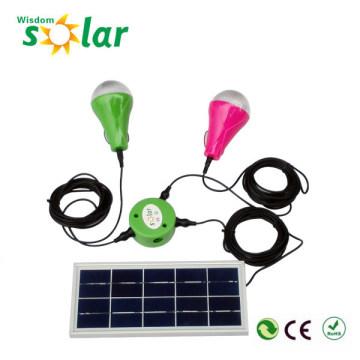 Système d'éclairage solaire à la maison de lumen élevé CE avec lampes led
