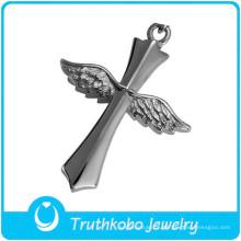 Pendentif ailes de crâne en acier inoxydable avec croix en argent massif