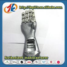 Knight′s Gauntlet Grabber Toy