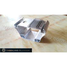 Anodisierter Kühlkörper mit Tiefbearbeitung im Aluminiumprofil