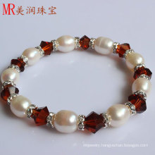 Stretched Fresh Water Pearl Bracelet with Red Agate