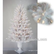 Arbre de Noël blanc allumé en 2013
