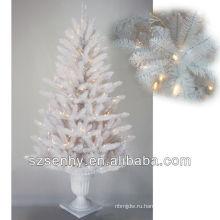 Белый открытый 2013 зажгли елку