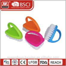 2010 nouveaux design en plastique gommage brosse w/poignée
