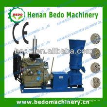 Máquina de granulação de serragem de madeira pequena e linha de madeira da pelota de palha