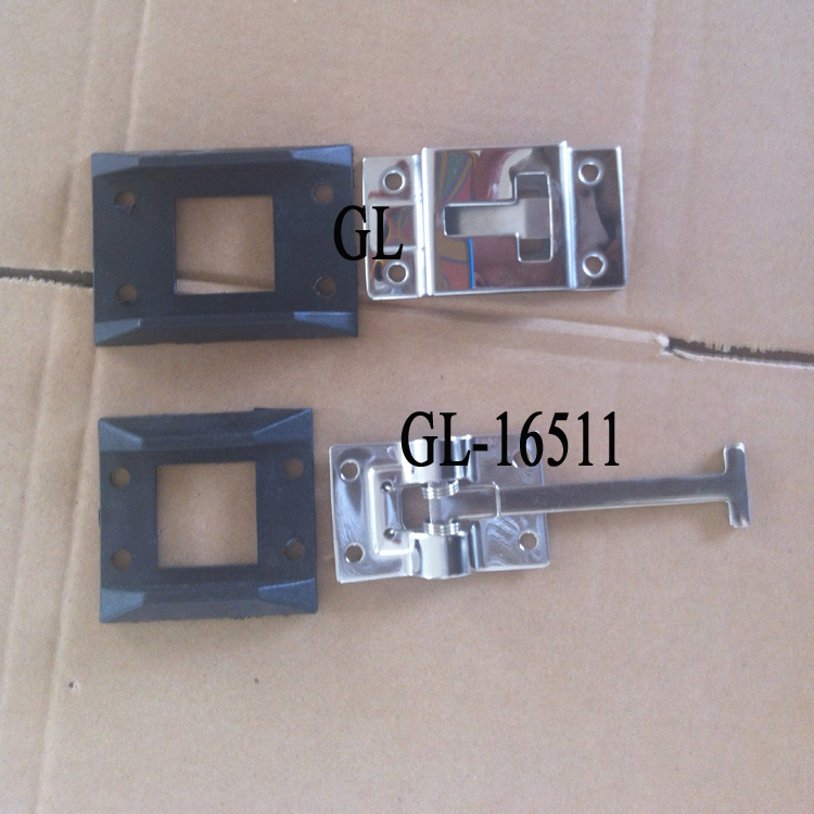 Stop with Trailer Door Latches
