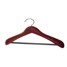 Cintre de manteau de couleur acajou avec arrondi barre pour pantalon