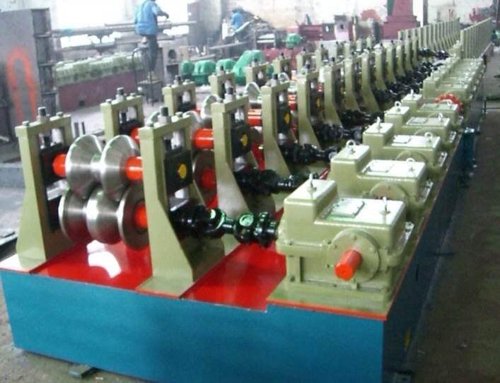 W beam Highway Guardrail Purlin Machine
