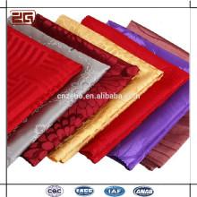 Trade Assurance elegante luxo 100Polyester em relevo damasco mesa de algodão guardanapo dobrável