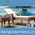 Móveis ao ar livre Cadeira à beira da piscina