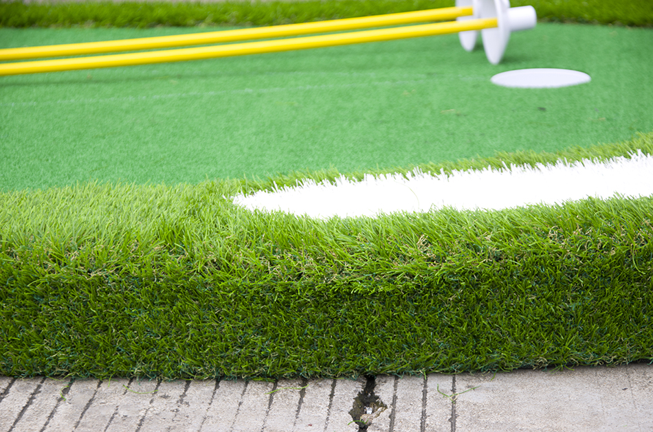 golf putting green with 10cm base