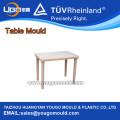 Table carrée en plastique moule