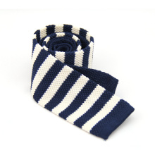 Cravate en tricot de polyester 100% uni pour hommes