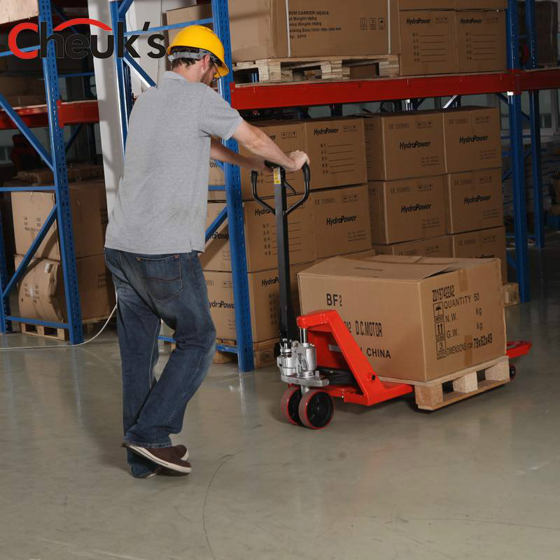 pallet truck use