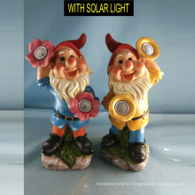 Popular Garden Decoration Polyresin Dwarf with Solar Light