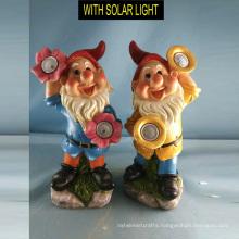 Popular Garden Decoration Polyresin Dwarf with Solar Light