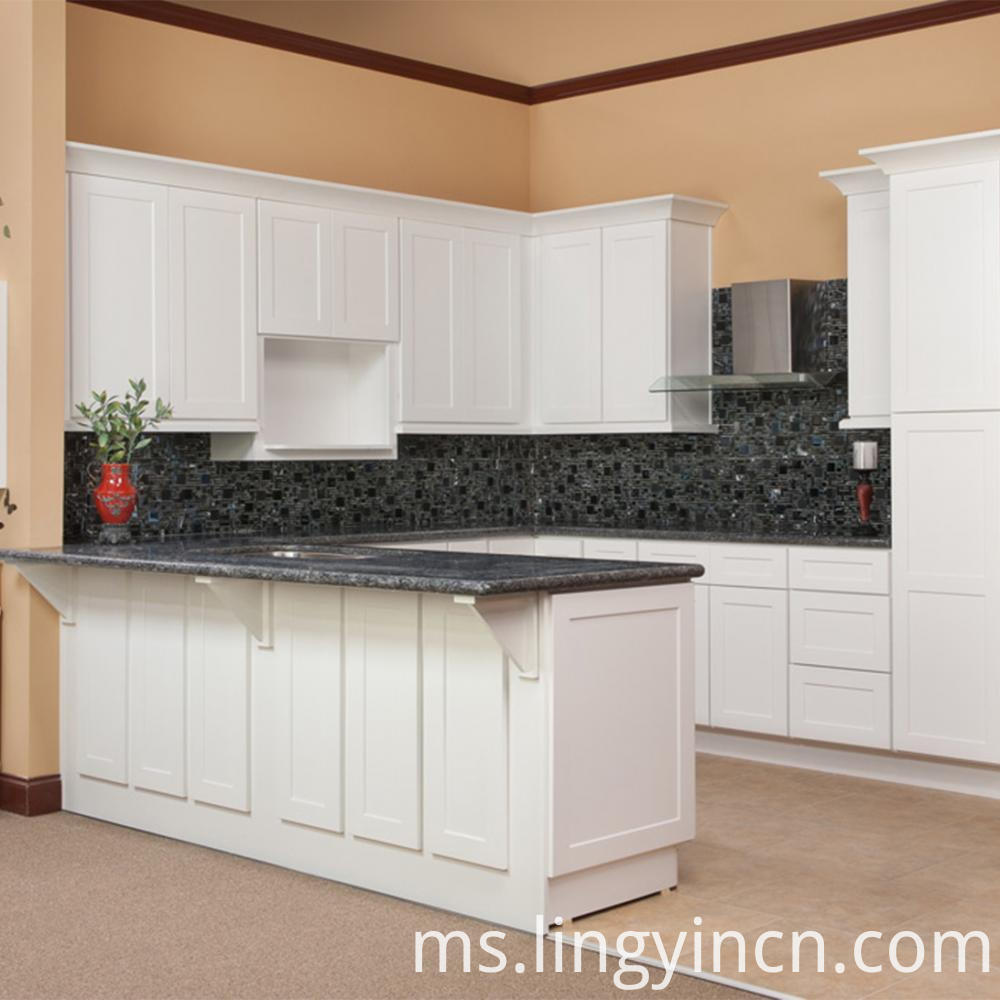 High end shaker kitchen cabinet with bar design1