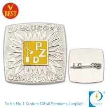 Pzd Metall Qualität sterben Stanzen 3D Pin Abzeichen mit Silber Farbe