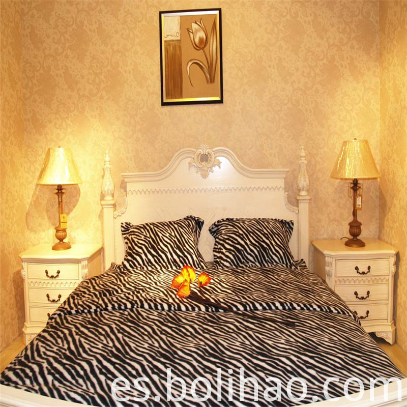 Leopard printed fleece bedding