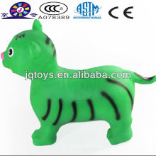 Juguete inflable del animal