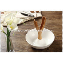 2015 new design wth metal clamps porcelain salad bowl