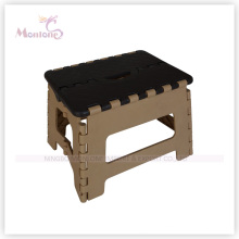 Sturdy Plastic Mixed Color Foldable Stool for Easy Storage