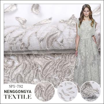 Barato al por mayor plana en todo el bordado de tela de diseño para el vestido de boda