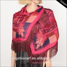 Moda barato lenços florais de poliéster os xales de chiffon com franja para senhora