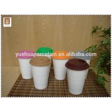 Caneca de viagem de cerâmica com tampa de silicone para promoção
