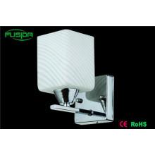 Lámparas de pared de cristal blanco populares del LED que iluminan