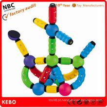 Brinquedos mágicos do Natal do truque da bola
