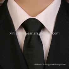 Corbata hecha a mano 100% de la microfibra negra hecha a mano del nudo
