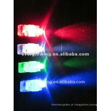 Laser brilhante levou anel de dedo
