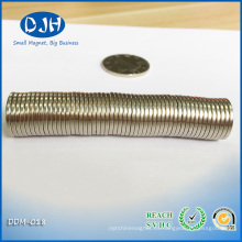 N42 5/8 '' Dia. X 1/16 '' Imán de neodimio grueso para componentes electrónicos