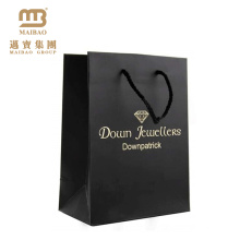 Logotipo de encargo de Guangzhou joyería de lujo de la impresión agradable que hace compras bolsos de regalo de papel al por menor mates negros decorativos