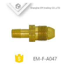 EM-F-A047 Enchufe de conexión de cobre amarillo del tubo de cobre del hilo masculino